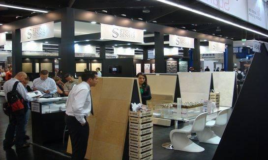 贸易展览会上的优质定制服务:销售、客户服务和零售技巧